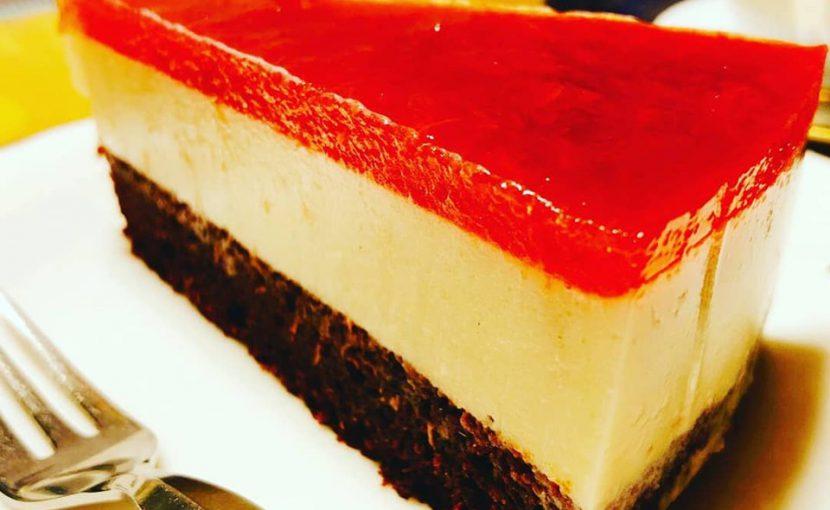 ルバーブソースで作る低糖質ケーキ